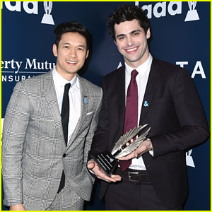 Shadowhunters' Magnus & Alec Accept Big Honor At GLAAD Media Awards 2017!