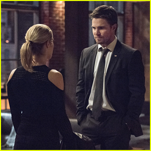Felicity & Oliver's Relationship Will Majorly Change After Tonight's 'Arrow' Episode