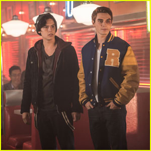 The 'Riverdale' Guys Are Fighting Over 'Daddy Wars' - Did You Vote?