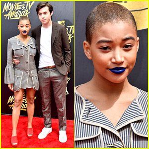 Amandla Stenberg & Co-Star Nick Robinson Pose at MTV Movie & TV Awards 2017