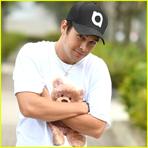 Austin Mahone Gives Out Bear Hugs While Promoting His New Tour in Florida