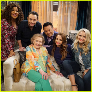 Betty White Returns to 'Young & Hungry' Tonight