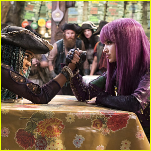 Mal & Uma Face Off in New 'Descendants 2' Clip - Watch Now!