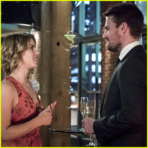 Felicity Throws A Birthday Party For Oliver on 'Arrow' Tonight