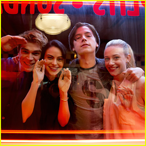 Lili Reinhart, Cole Sprouse, KJ Apa & Camila Mendes Preview The Future of 'Riverdale' Couples