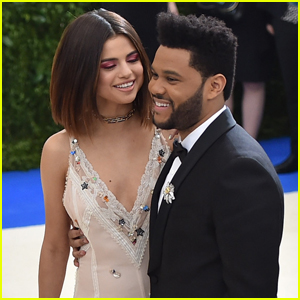 Selena Gomez' Family Totally Approves of Her Relationship With The Weeknd!