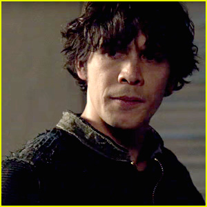 'The 100's Clarke, Bellamy, Monty & Jasper Are At The Center of Major Drama Tonight