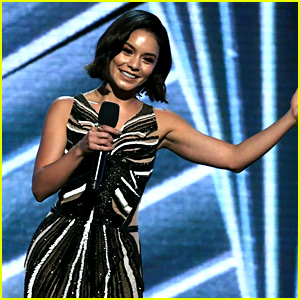 Vanessa Hudgens Displays Her Singing Talents at BBMAs 2017 (Video)