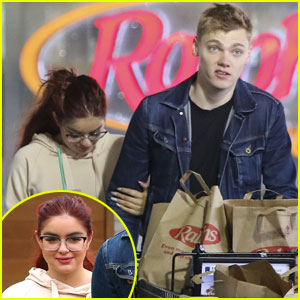 Ariel Winter & Boyfriend Levi Meaden Are One Domesticated Duo!
