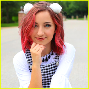 Social Star Bailey McKnight Changed Up Her Whole Look & Dyes Her Hair Pink!