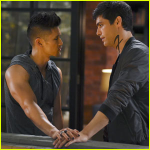 Shadowhunters' Harry Shum Jr. Says #Malec Still Have Trust Issues (Interview)