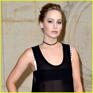 Jennifer Lawrence is OK After Plane's Engines Failed During Flight