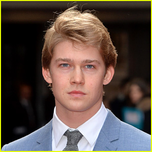 Taylor Swift's Boyfriend Joe Alwyn Lands Hot New Movie Role!