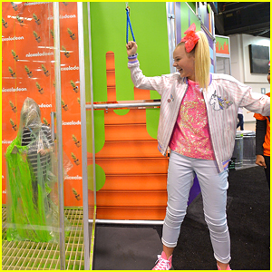 JoJo Siwa & Breanna Yde Slimed Fans at Vidcon 2017!