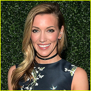 Arrow's Katie Cassidy Announces Engagement!