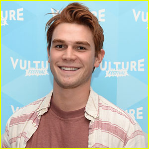 'Riverdale' Star KJ Apa Has a Chronic Instagram Photobomber