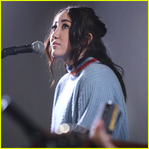 Noah Cyrus Has Moved Beyond The Bad Comments on Instagram: 'I Can't Let Them Get To Me'