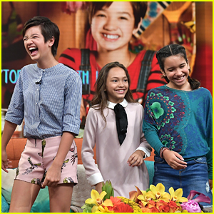 Andi Mack's Peyton Elizabeth Lee Really Is Close With Her Cast