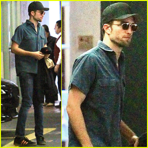 Robert Pattinson Has a Solo Afternoon Out in LA