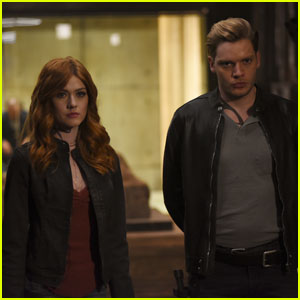 Jace Continues to Keep a Secret From Clary on Tonight's 'Shadowhunters'