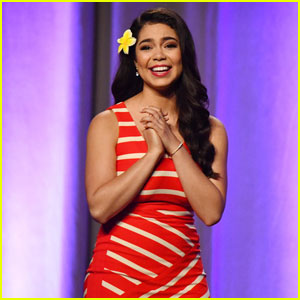 Auli'i Cravalho Gushes Over Meeting Other Disney Princesses: 'They've Been My Childhood Heroes'