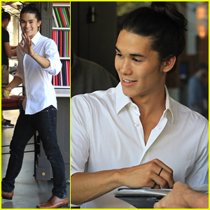 'Descendants 2' Star Booboo Stewart Happily Signs Autographs For Fans