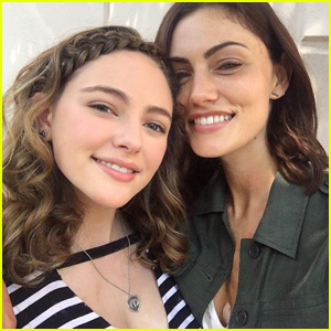 Danielle Rose Russell Shares Cute Pic with Phoebe Tonkin on 'The Originals' Set