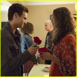 '13 Reasons Why' Fans Are Calling Out The Show For Romanticizing Jessica & Justin's Relationship