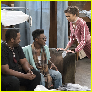 Exclusive Sneak Peek at Tonight's 'K.C. Undercover' Season Three Premiere!