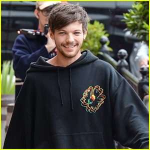 Louis Tomlinson Hangs Out with Fans in England!