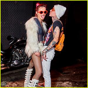Bella Thorne Amp Blackbear Couple Up For Emo Nite With Jake Miller Bella Thorne Emo Nite Jake