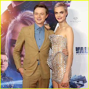 Cara Delevingne Rocks Pink Highlights at 'Valerian' Mexico City Premiere