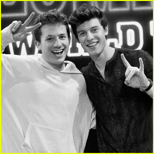 This is How Shawn Mendes Lets Loose Before a Performance