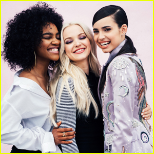 We're Officially Obsessed With 'Descendants 2's 'Kiss The Girl' Remix - Listen Now!