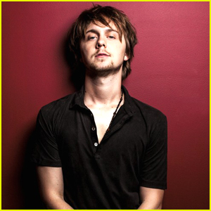 R5's Ellington Ratliff Reveals The One Musician He Really Wants To Play With