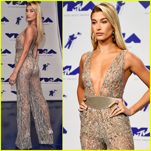 Hailey Baldwin Shimmers at the MTV VMAs 2017!