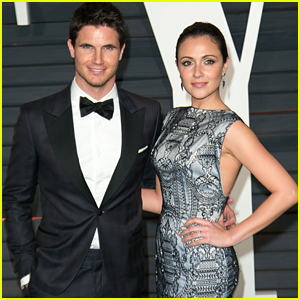 Italia Ricci & Robbie Amell Get Tattoos Together
