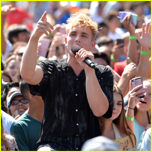 Jake Paul Addresses Negativity After Winning Two Teen Choice Awards