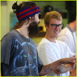 Justin Bieber Ran Into Another Major Celeb at a Juice Bar!