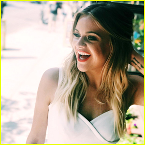 Kelsea Ballerini Debuts The One Love Song You WILL Love 'Unapologetically' - Lyrics & Stream Here!