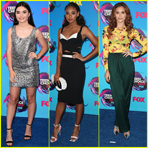 Landry Bender Sparkles in Silver Mini at Teen Choice Awards 2017 with Chandler Kinney & Alyson Stoner