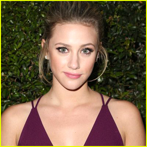 Lili Reinhart Wants To Adopt A Dog in Vancouver