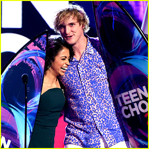 Logan Paul & Liza Koshy Are the Top Web Stars at Teen Choice Awards 2017!
