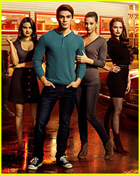 This 'Riverdale' Season 2 Photo is Confusing Fans!