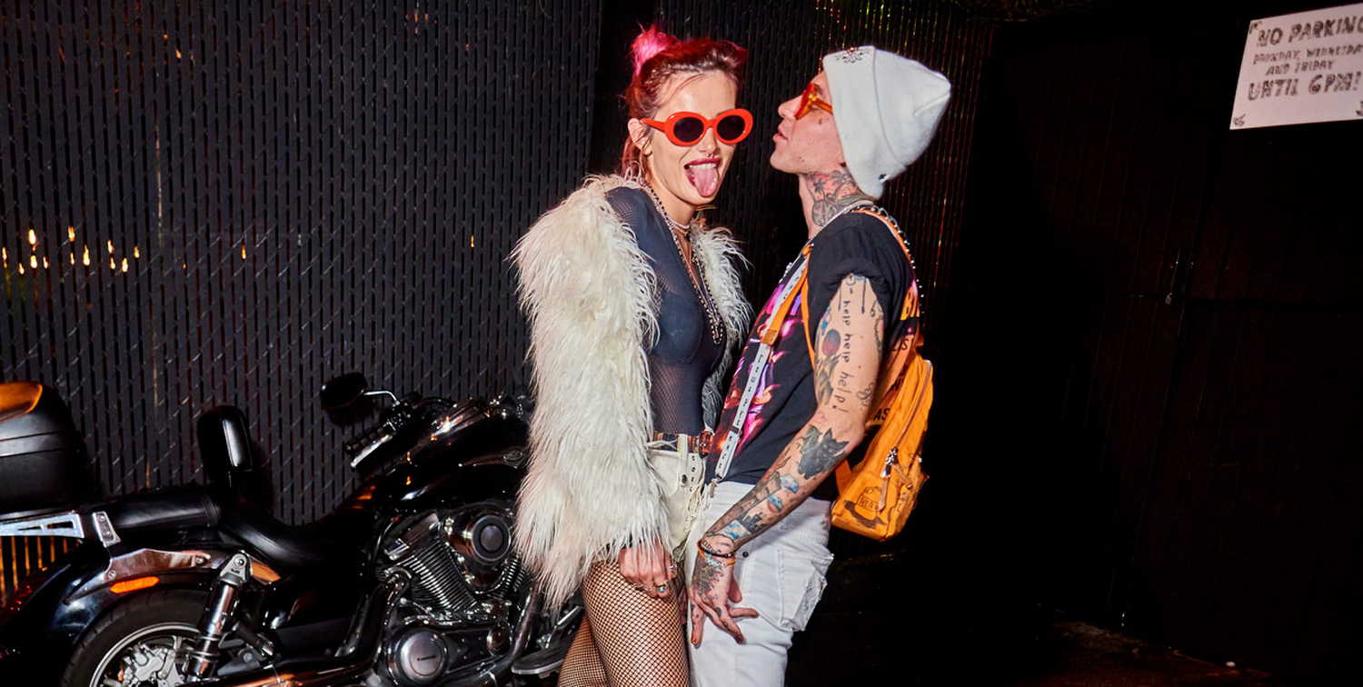Bella Thorne Amp Blackbear Couple Up For Emo Nite With Jake