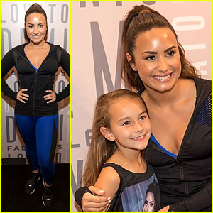 Demi Lovato Had So Many Fans Come to Meet & Greet!