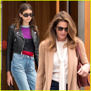 Kaia Gerber Hangs Out with Mom Cindy Crawford in London!