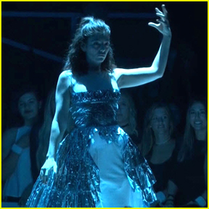 Lorde Doesn't Care What Haters Think About Her Dancing VMAs Performance