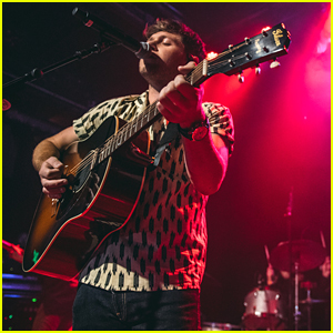 Niall Horan Unveils Official 'Flicker' Track Listing