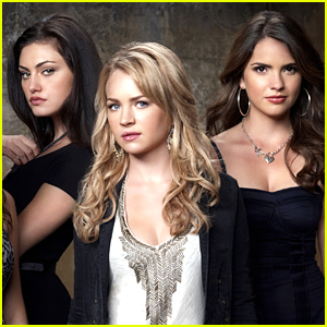Phoebe Tonkin Volunteers Herself, Britt Robertson & Shelley Hennig For 'Hocus Pocus' Remake